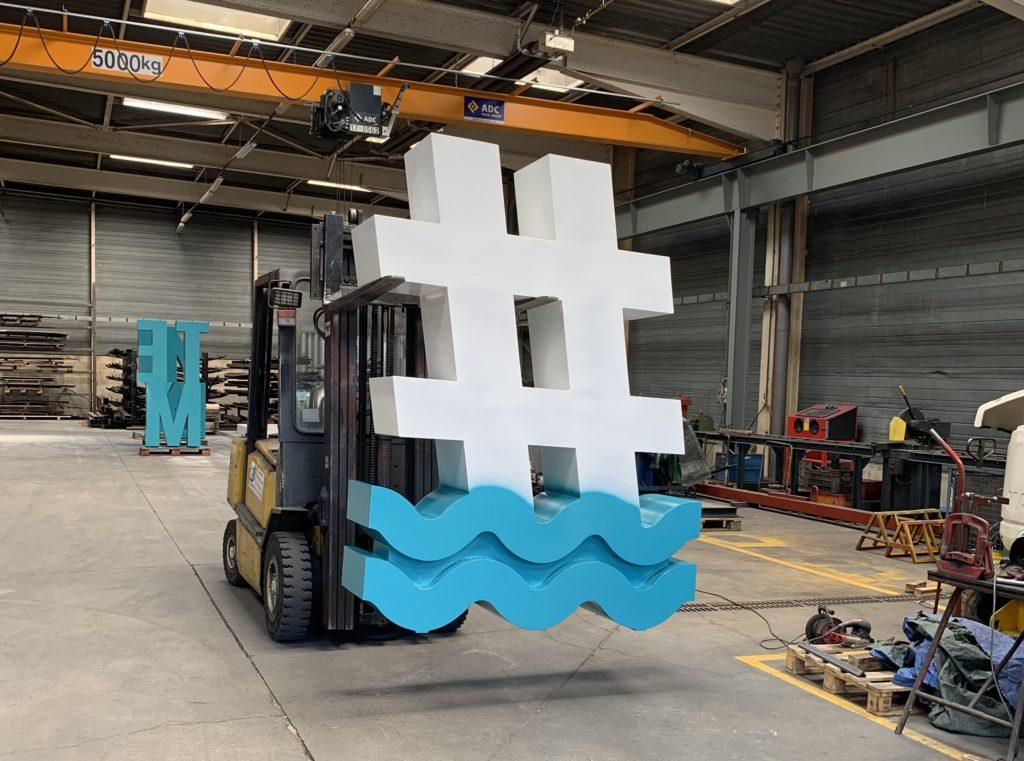 La peinture finale du hashtag